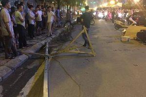 Hà Nội: Cột sắt từ trên cao rơi xuống đường khiến cô gái trẻ tử vong tại chỗ