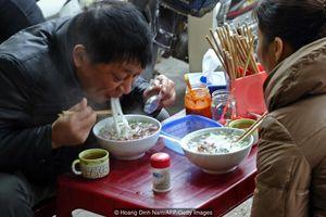 Hành trình đi tìm bát phở ngon nhất Việt Nam của chàng trai gốc Việt