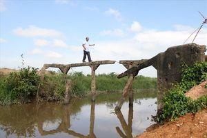 Những 'Người Sài Gòn bất đắc dĩ' hỗ trợ xây cây cầu Bến Giàng tại Quảng Trị