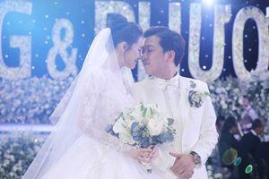 Nhiều người rơi nước mắt trong đám cưới Trường Giang - Nhã Phương