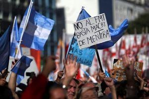 IMF cho Argentina vay kỷ lục 57 tỉ USD