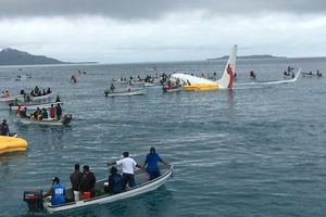Máy bay rơi xuống biển ở Micronesia, toàn bộ hành khách sống sót