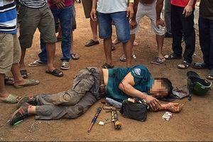 Đôi vợ chồng trẻ đánh chết kẻ lấy cắp xe máy của mình
