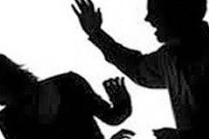Mặc vợ van xin, lão 71 tuổi vẫn chém gục rồi tự tử