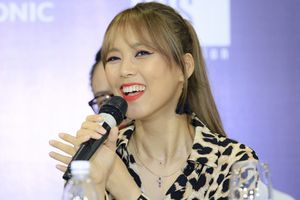 20 năm chống chọi với ung thư, Diva Hàn Quốc Sohyang vẫn đầy lạc quan