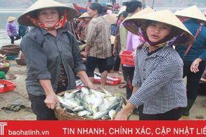 Ngư dân yên tâm vươn khơi đánh bắt, cần gì hậu cần nghề cá sẽ lo!