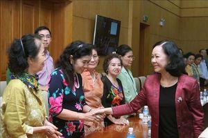 Trưởng ban Dân vận Trung ương tiếp Đoàn cựu giáo viên kiều bào Thái Lan