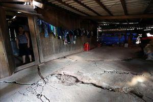 Quan trắc tình trạng nứt, gãy, sụt lún nền đất tại xã Tìa Dình (Điện Biên)