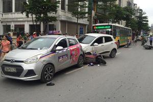 Xe ô tô đâm liên tiếp nhiều xe máy trên đường Tôn Đức Thắng, 3 người nhập viện