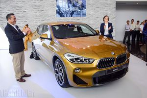 BMW X2 chốt giá 2,139 tỉ đồng, cạnh tranh Mercedes GLA