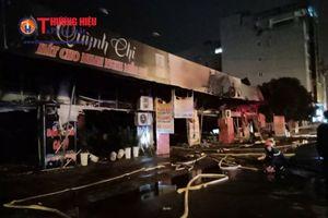 Hà Nội: Cháy lớn thiêu rụi cả dãy nhà tại huyện Hoài Đức