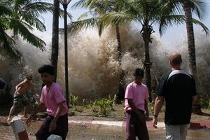 Sóng thần sau động đất mạnh tại Indonesia