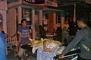 Sóng thần quét vào Indonesia, 'tình hình hỗn loạn'