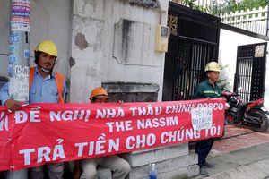 Dự án đã bàn giao vẫn 'treo lương' công nhân hàng chục triệu