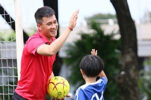 Công Vinh muốn phát triển bóng đá học đường