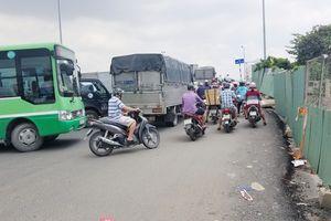 Chi 100 tỷ giảm độ dốc cầu Phạm Văn Chí ở Sài Gòn