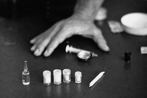 Trẻ bập vào ma túy: Đối tượng nào mới thực sự đáng lên án?