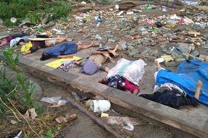 Hình ảnh tang thương sau động đất, sóng thần ở Indonesia khiến 384 người chết