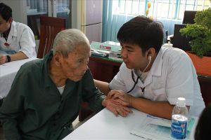Bệnh viện Đà Nẵng khám chữa bệnh miễn phí cho 500 bệnh nhân