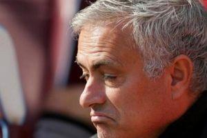 M.U thua West Ham, CĐV 'đòi' lãnh đạo CLB sa thải Mourinho