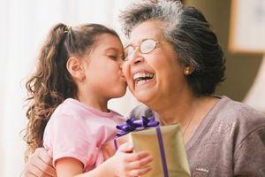 Vai trò quan trọng của người bà đối với mỗi gia đình
