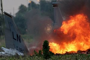Siêu tiêm kích đắt nhất lịch sử F-35B của Mỹ gặp nạn, bốc khói đen dữ dội