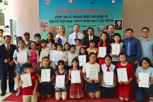 Trao giải Cuộc thi vẽ tranh quốc tế 'Em vẽ Việt Nam – Em vẽ nước Nga' năm 2018