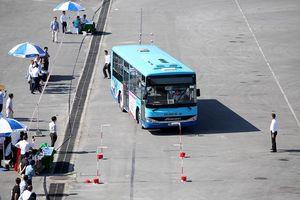 Lái xe buýt điêu luyện hoàn thành bài thi lái xe an toàn 2018
