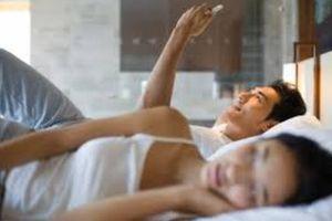 Thiếu phụ Hà thành khoe ngủ cùng lúc 2 'người đàn ông' và cái kết bất ngờ