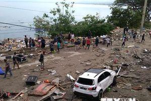 Hình ảnh tang thương sau vụ động đất-sóng thần kinh hoàng ở Indonesia