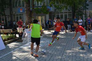 Hơn 400 cầu thủ dự Giải bóng đá đường phố tại Hà Nội