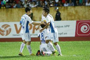 Toàn cảnh V-League vòng 24: HAGL trụ hạng, Hà Nội FC nối dài kỷ lục
