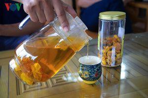 Cận cảnh quy trình chế biến loại trà quý 'đắt như vàng' ở Quảng Ninh