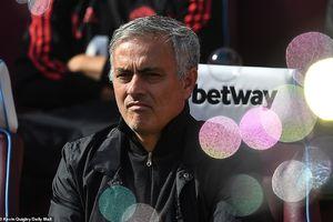 Công cùn thủ kém, Quỷ đỏ thua bạc nhược trước West Ham