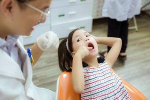 Những biến chứng khôn lường khi tự ý nhổ răng sữa của trẻ