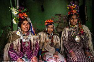 Kỳ lạ bộ lạc Drokpa trên dãy Himalaya lạnh giá