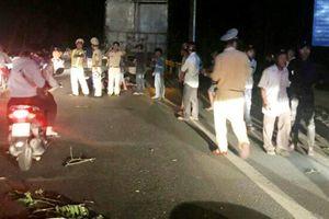 9X tử vong sau khi tông xe máy vào đuôi ôtô tải