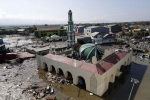 Số người chết ở Indonesia tăng vọt lên hơn 800, hàng trăm dư chấn động đất liên tiếp xảy ra