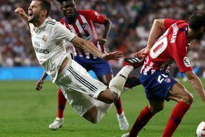 'Người nhện' Courtois tỏa sáng, Real Madrid thoát hiểm trận derby