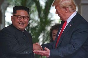 Tổng thống Donald Trump nói về ông Kim Jong-un: Chúng tôi đã 'bén tình'