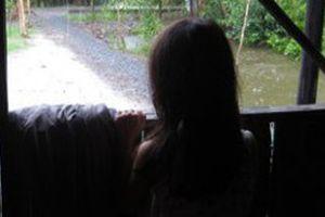 Người đàn ông trú mưa bị 'tố' sàm sỡ thiếu nữ 14 tuổi con chủ nhà