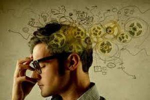 Tình trạng mê sảng khác với chứng mất trí như thế nào?