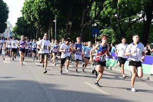 1500 người tham gia sôi nổi tại Giải chạy Vì hòa bình