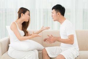 Ngán ngẩm chồng ban ngày hằm hè đánh vợ, tối khều tay đòi 'tí toáy tí mẻ'