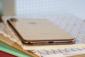 Người dùng tố iPhone Xs và iPhone Xs Max gặp lỗi sạc pin