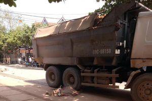 Ô tô tải cán hai vợ chồng tử vong