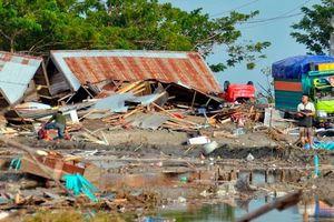 CNN: Cứu hộ sau thảm họa động đất và sóng thần Indonesia bị chậm do thiếu thiết bị và nhân sự