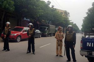 Hiện trường vụ trăm cảnh sát vũ trang bao vây kẻ tình nghi ở TP Vinh