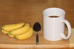 Tại sao bạn nên uống trà chuối trước khi ngủ?