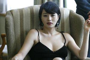 Mỹ nhân Kim Hye Soo tuổi U50: Biểu tượng gợi cảm bị tiếng ế chồng